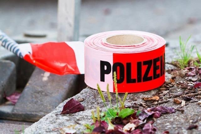 Auto in Freiburg in Flammen – Verkehr beeinträchtigt