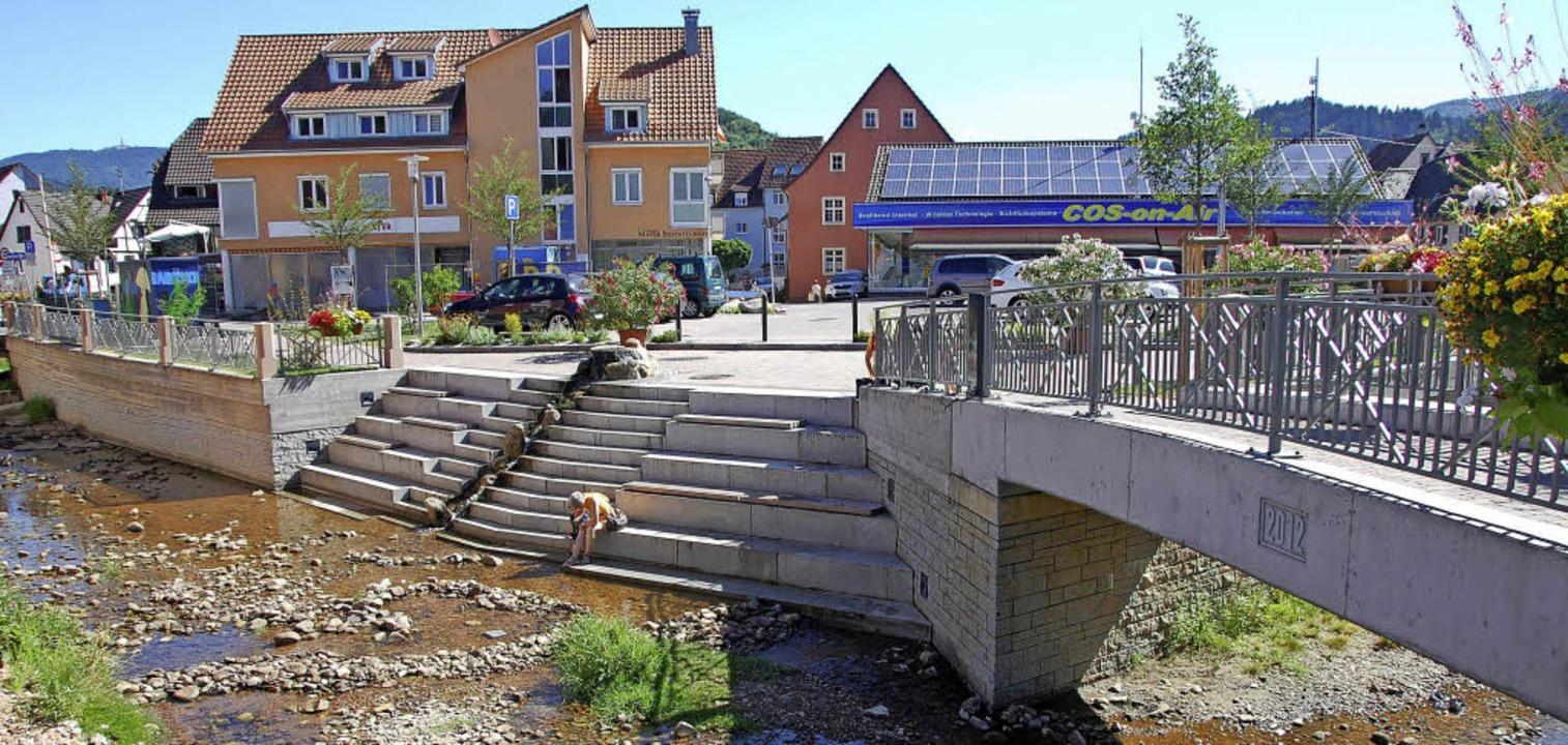 Der Hochwasserschutz, der zusammen mit...Jahren sehr viel Kapazitäten gebunden.  | Foto: MAIER