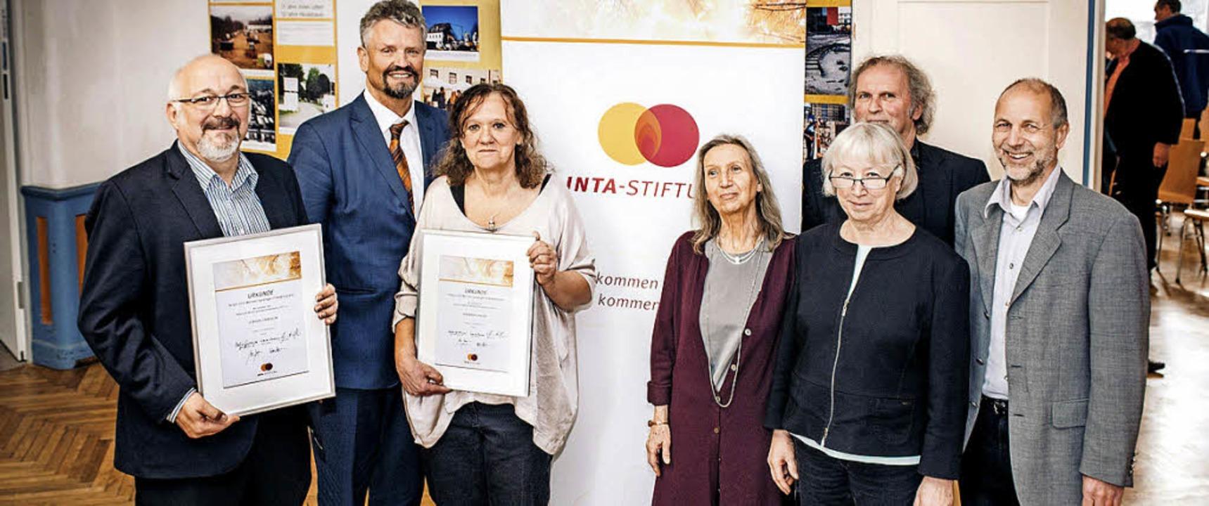 Verleihung des  Helga-und-Werner-Spren...e Baumann (hinten) und Peter Herrmann.  | Foto: Thomas Kunz