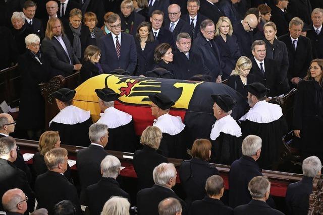 Letzte Ehre für Helmut Schmidt
