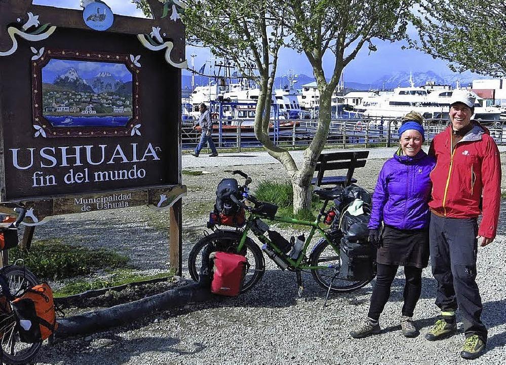 Nach 23000 Kilometern mit dem Fahrrad ... Lörrach aus in Feuerland angekommen.   | Foto: privat