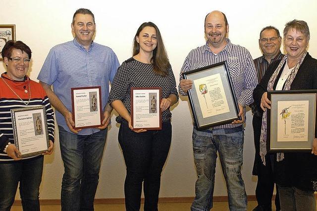 Auszeichnungen für treue Chormitglieder