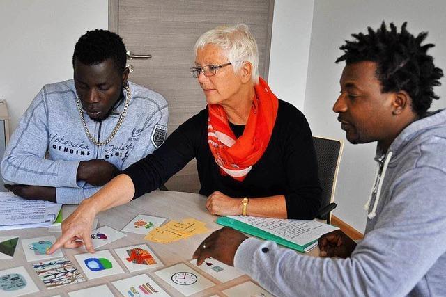 Fast 30 Ehrenamtliche geben für Flüchtlinge Deutschkurse