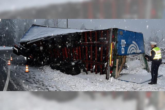 POLIZEINOTIZEN: In den Schnee gekippt