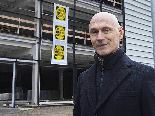 offenburg richtfest m bel braun investiert 50 millionen und will im februar ffnen badische. Black Bedroom Furniture Sets. Home Design Ideas