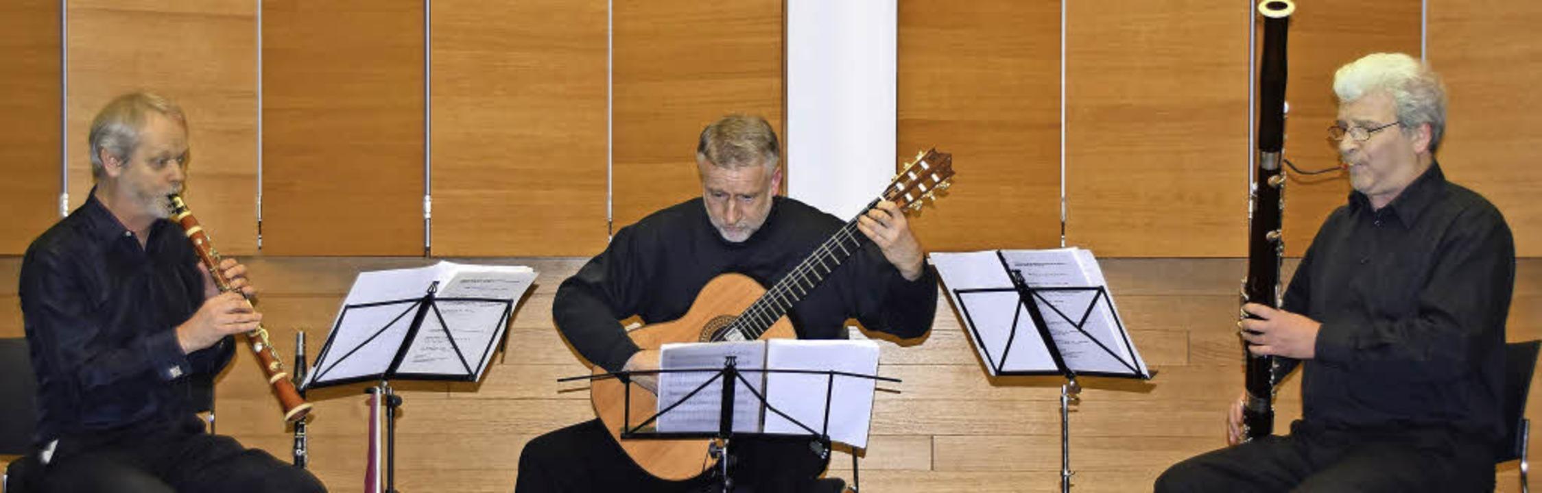 David Glenn (Klarinette und Bassetthor...n (Gitarre), Eckhard Lenzing (Fagott)   | Foto: Sarah Nöltner