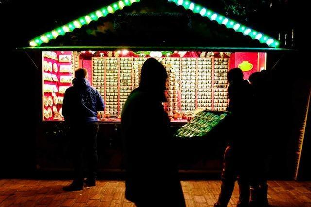 Männer versuchen in Weihnachtsmarktbuden einzubrechen