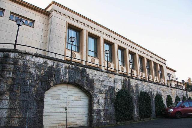 Stadtrat prüft Kauf und Ausbau des Bahnhofsaals
