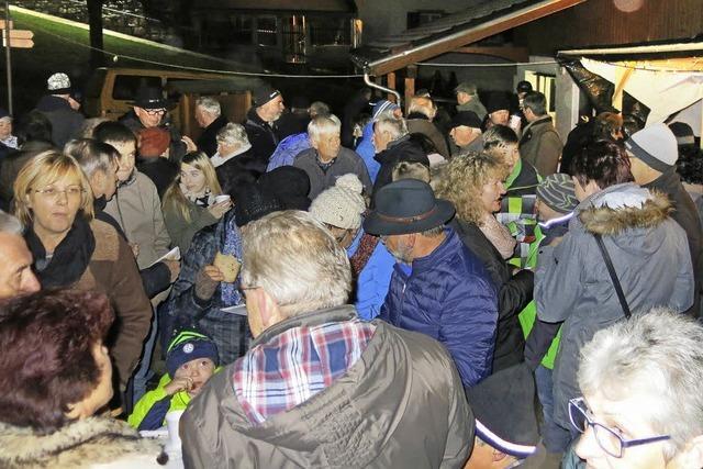 Adventsmarkt zieht viele Besucher
