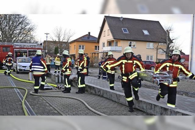 Feuerwehr und DRK Hand in Hand