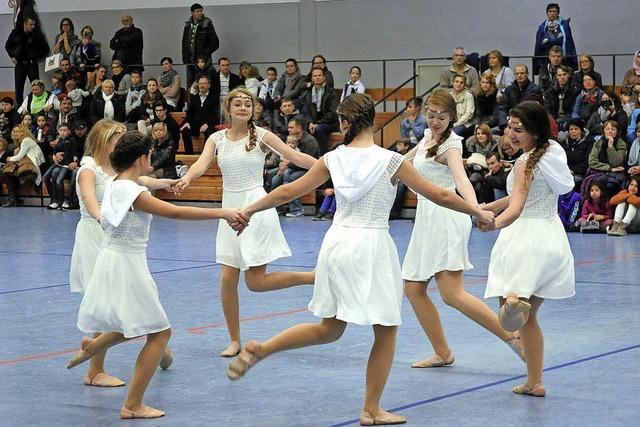 Abschluss mit Show, Sport und Tanz