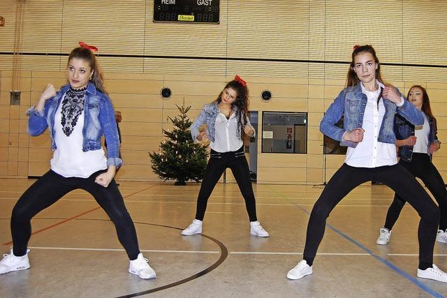 Turnen und Tanzen für den Nikolaus
