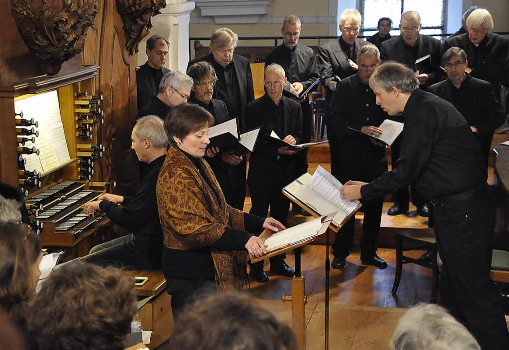 Julia Mende sang das Seckinger-Lied &#...estaltete das Konzert wesentlich mit.   | Foto: Sandra Martin