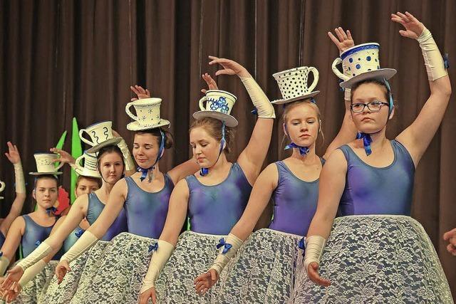 Alice tanzt im Wunderland