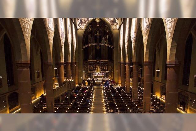 Kirche im Kerzenschein
