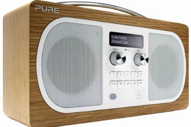 Pure Evoke: So macht Digitalradio Spaß - sogar Tapetenfreundinnen