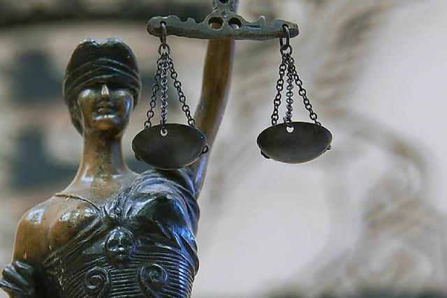 Dauerstreit unter Denzlinger Nachbarn – Bewährungsstrafe für 57-Jährige