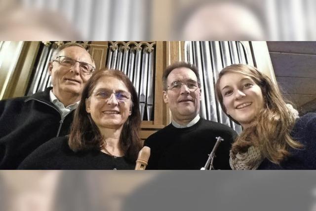 Mit Gesang, Trompete (Celia und Max Joos), Blockflöte und Orgel (Ulrike und Bernhard Fackelmann in Feldberg
