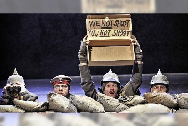 Die Geschichte über den Weihnachtsfriedens trotz des Irrsinn des Krieges in der Oberrheinhalle