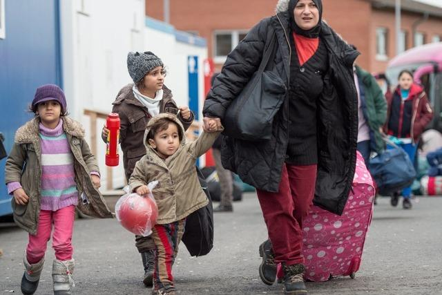 130 Flüchtlinge ziehen in ADAC-Geschäftsstelle in Haslach
