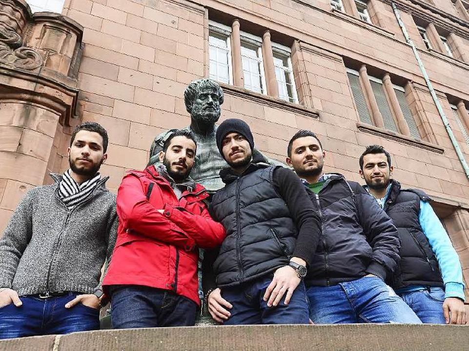 Wollen in Freiburg und als Gruppe den ...aa, Mahmoud Akra und Ammar Abofakher.   | Foto: ingo schneider