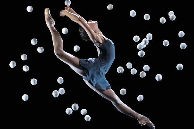 Gandini Jugglings neue Performance im Burghof