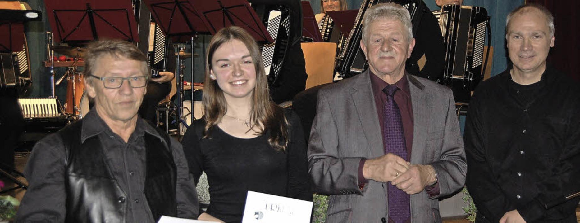 Reiner Ringwald und Trudpert Beckert e...wald und Dieter Miesmer (von rechts).   | Foto: Fotos: Silke Nitz