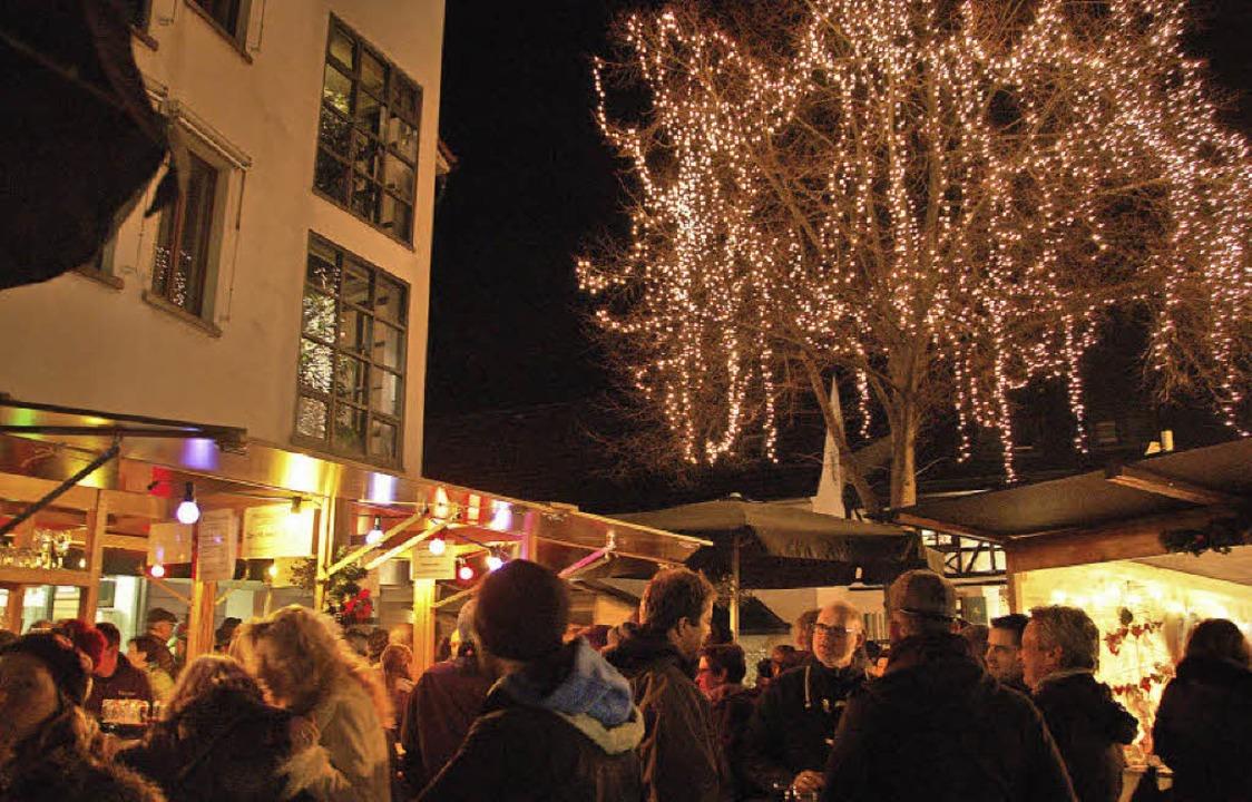 Weihnachtsmarkt Gundelfingen.Weihnachtsmarkt Im Sonnenschein Gundelfingen Badische Zeitung