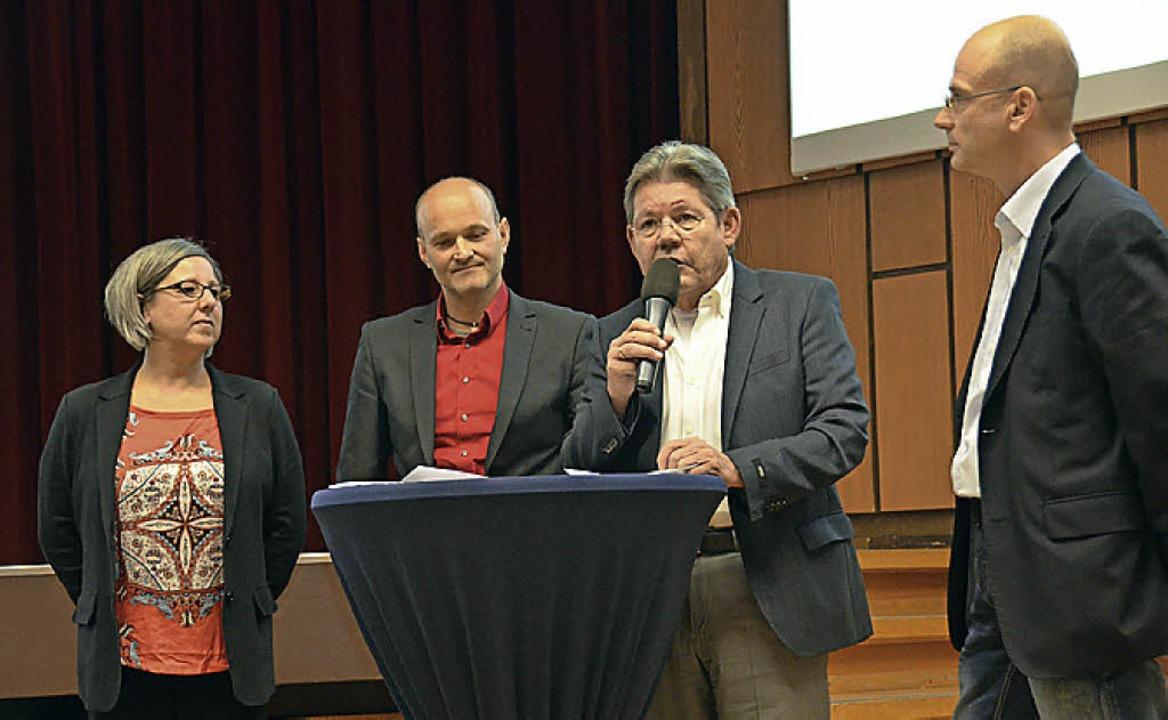 Die Pädagogen Corinne Johner,  Roland ...lo Braasch  stellten das Konzept vor.   | Foto: Tanja Bury