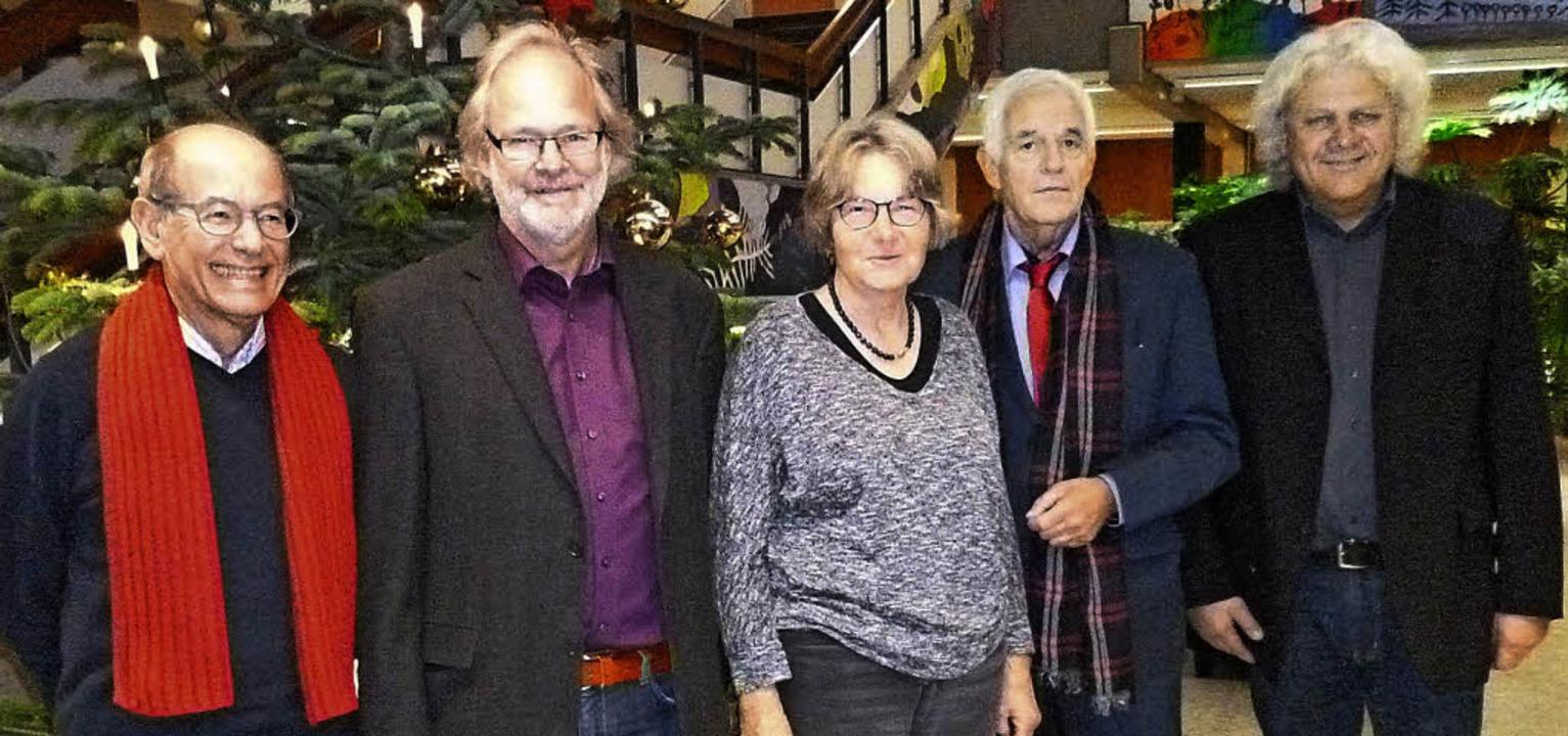 Rektor Gleibs präsentierte Justizminis...(von rechts) die Gemeinschaftsschule.   | Foto: PRIVAT