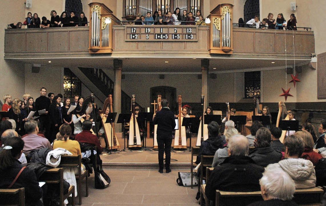 In der Altweiler Kirche waren die Bank...n lang anhaltenden Applaus spendeten.   | Foto: Ounas-Kräusel