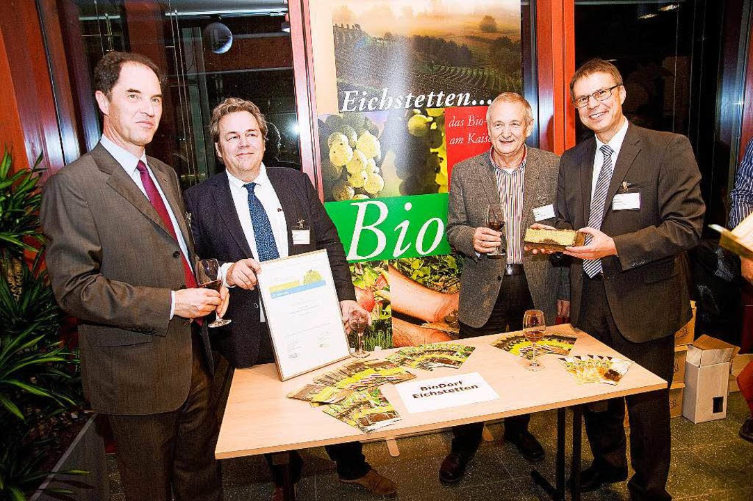 Uwe Greff  von der  BioBodenGenossensc...ß,  Wilhelm Rinklin und Michael Bruder  | Foto: Deutsche Bundesstiftung Umwelt