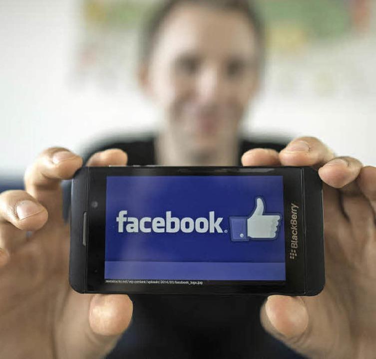 Sind Nutzer sozialer Netzwerke wie Facebook unglaublich naiv?  | Foto: dpa