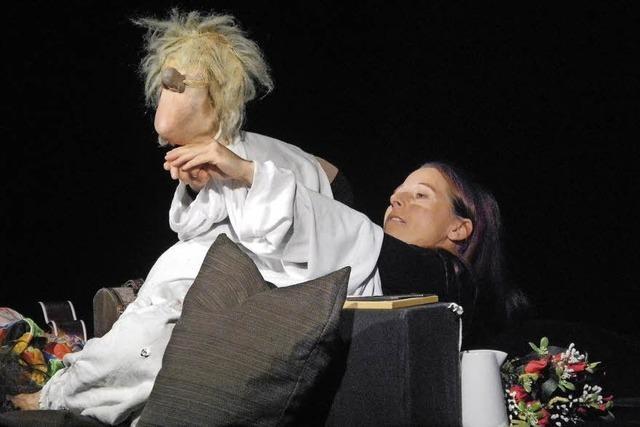 Anne Klinge spielt im Nellie Nashorn