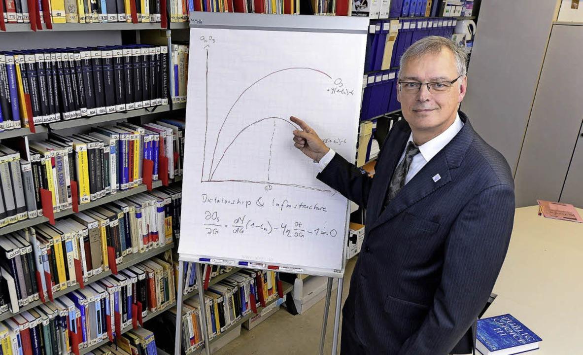 Wirtschaftswissenschaftler Bernhard Neumärker   | Foto: Ingo Schneider