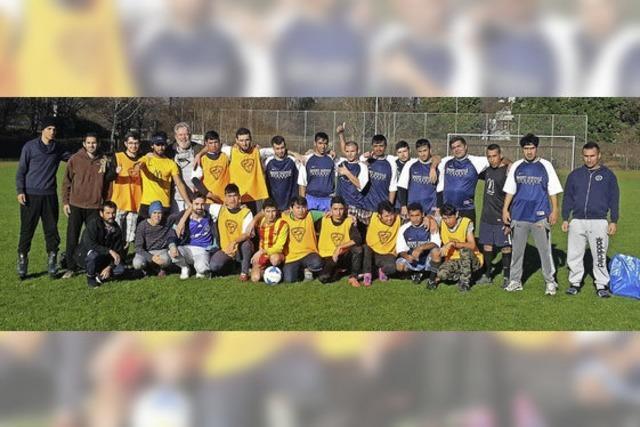 Trainingsspiel der Flüchtlinge