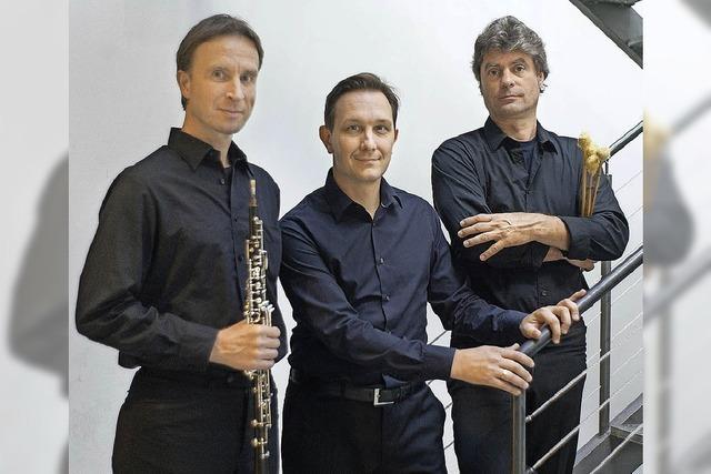 Werke von fünf Komponisten aus vier Kontinenten spielt Surplus.