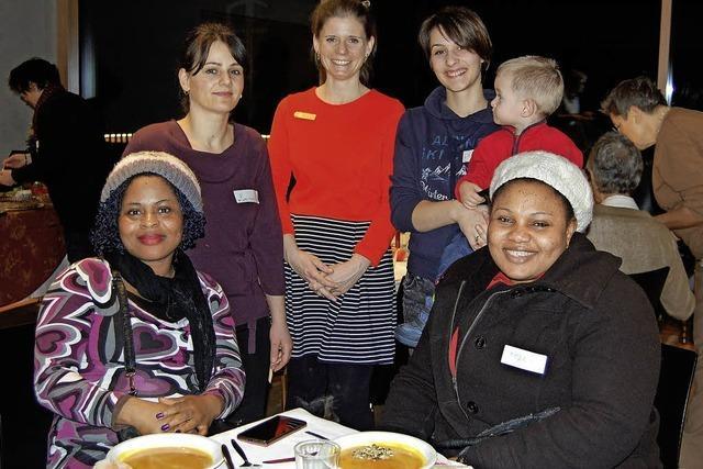 Soroptimistinnen Offenburg-Ortenau haben gemeinsam mit Flüchtlingsfrauen eine Weihnachtsfeier gestaltet