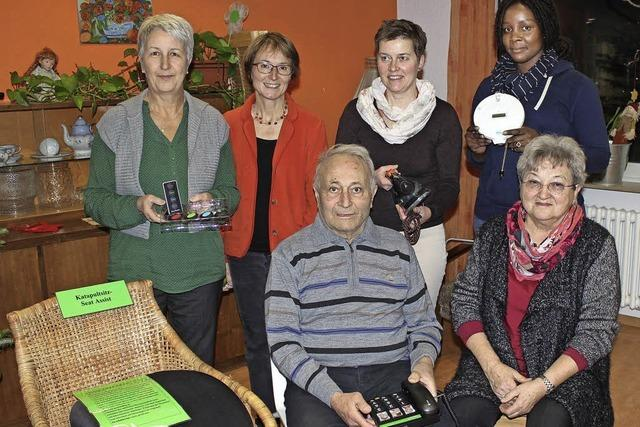 Beratungsstelle für Senioren stellt Hilfsmittel für den Alltag aus