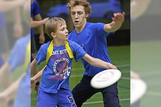 Ultimate Frisbee AG am Marie-Curie-Gymnasium sucht Mitspielerinnen und Mitspieler