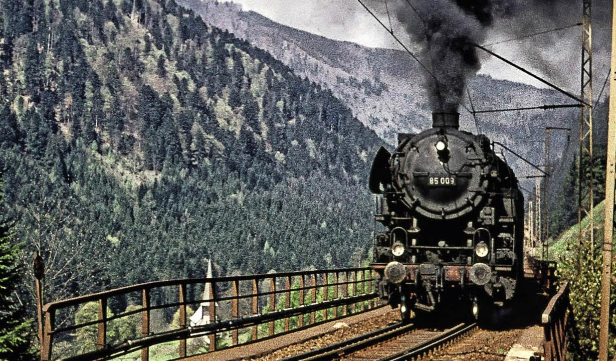 Eine Dampflokomotive der imposanten Baureihe 85 auf dem Ravennaviadukt  | Foto: Karl Ganter