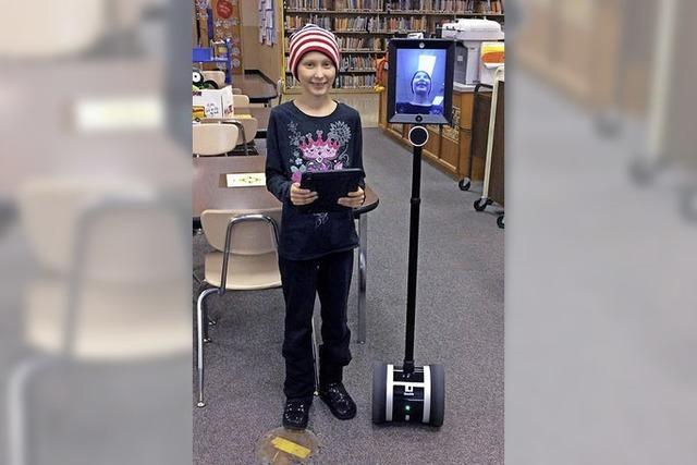 Wie eine krebskranke Zehnjährige dank eines Roboters am Schulunterricht teilnehmen kann