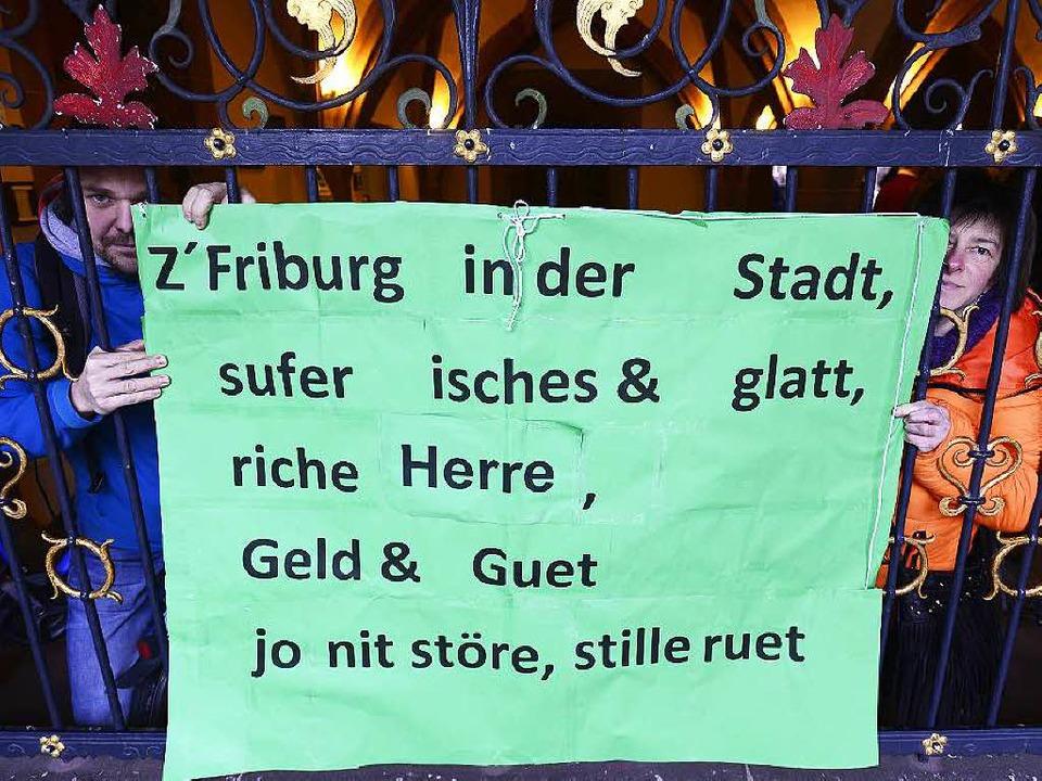 Der Protest im Vorfeld der Gemeinderatssitzung nützte nichts.  | Foto: Ingo Schneider