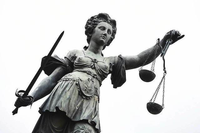 Warum Johannes Burger um ein Anwaltshonorar streitet