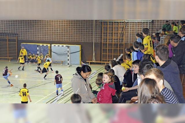 Fußballturnier lockt viele Zuschauer
