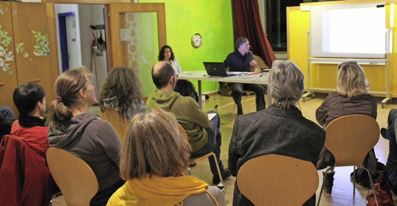 Gespannte Aufmerksamkeit bei den  Teil... der Info-Veranstaltung in Kirchzarten  | Foto: Erich Krieger