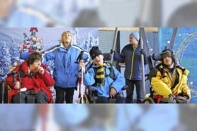 Adventsfeier mit Skifahrern