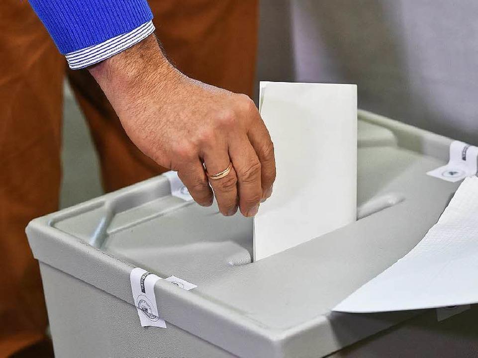 Die Wähler müssen sich noch gedulden: ...at entscheidet darüber am 21. Januar.     Foto: DPA