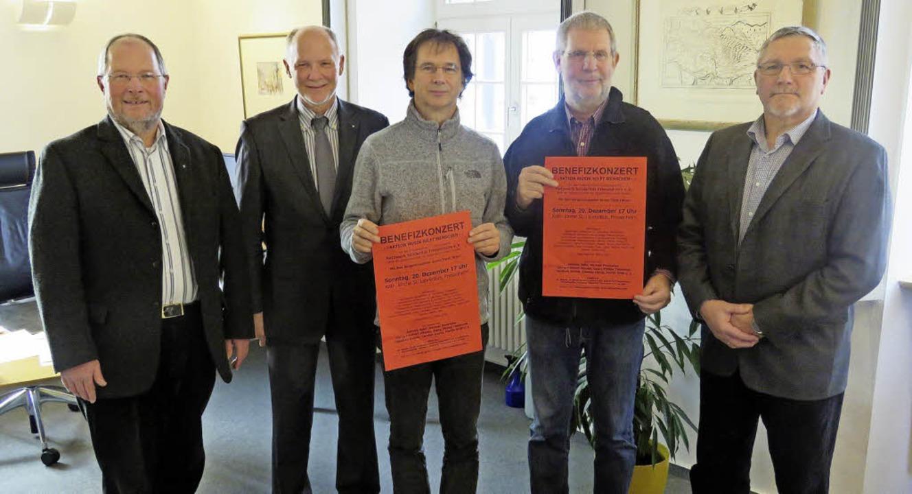 Werbung für Benefizkonzert am Sonntag ...Eberhard Braun (Netzwerk Solidarität)   | Foto: Christine Ehlenbröker