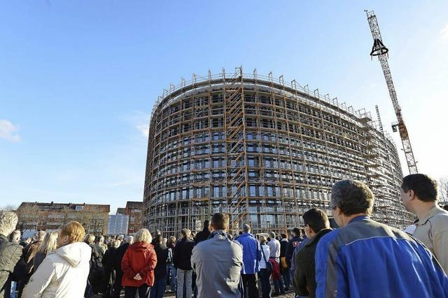 Richtfest für Rathaus-Neubau an der Fehrenbachalle